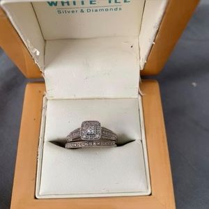 Diamond ring with diamond band